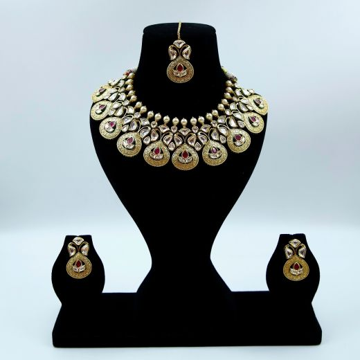 Antique Finish Gold Plated Kundan Choker Set With Ruby Stones