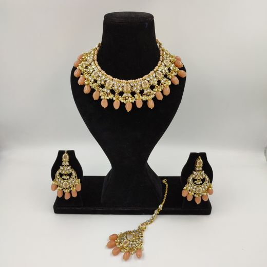 Designer Necklace Set with Peach Beads and Teeka